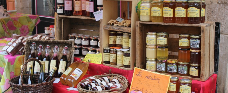 One of the must-do things in Burgundy is to check out the fabulous market in Chalon-sur-Saone, a short drive from our holiday home in Puligny Montrachet