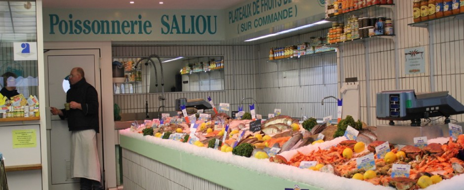 You can get many fresh and tasty bites for your Burgundian cuisine at the poissonnerie in Chalon-sur-Saone