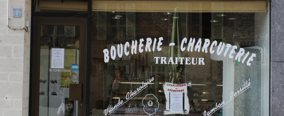 When we are holiday in Puligny Montrachet, we come here to the charcuterie in meursault for fine Burgundian food to have with our tastings
