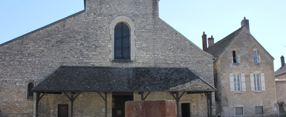 Chagny church with its Serra sculpture not far from us in Puligny