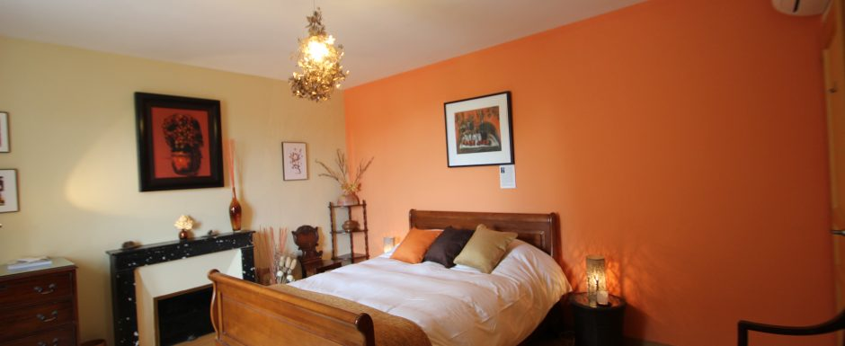Autumn bedroom at 10pm, our luxury vacation rental in Puligny-Montrachet, near beaune, Burgundy