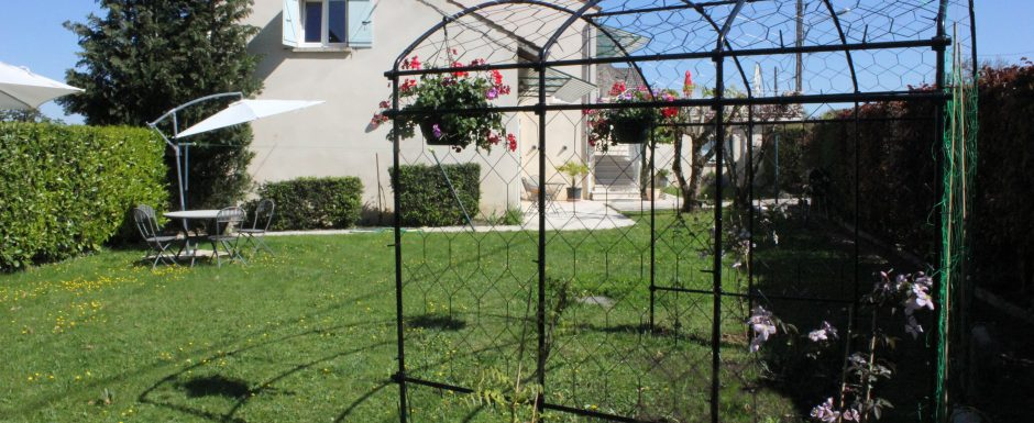 The gardens at 10pm, our luxury vacation rental in Puligny-Montrachet, near beaune, Burgundy