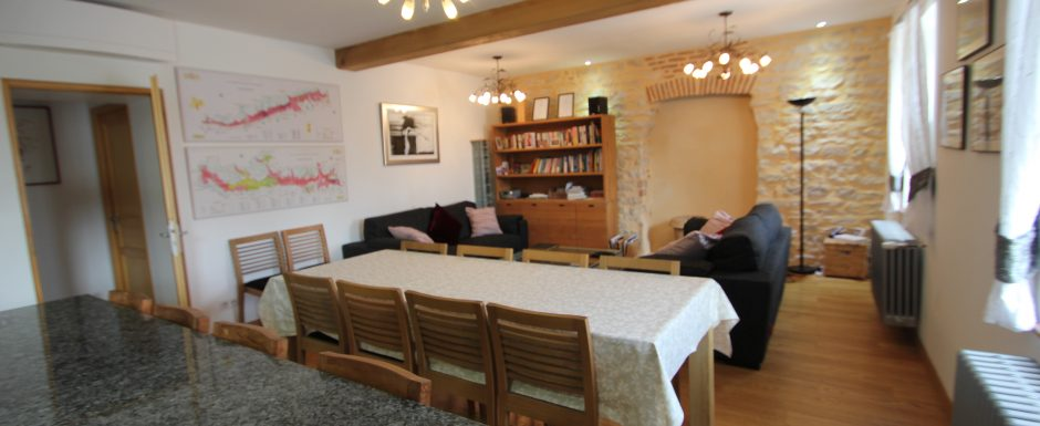 Living room at 10pm, our luxury vacation rental in Puligny-Montrachet, near beaune, Burgundy