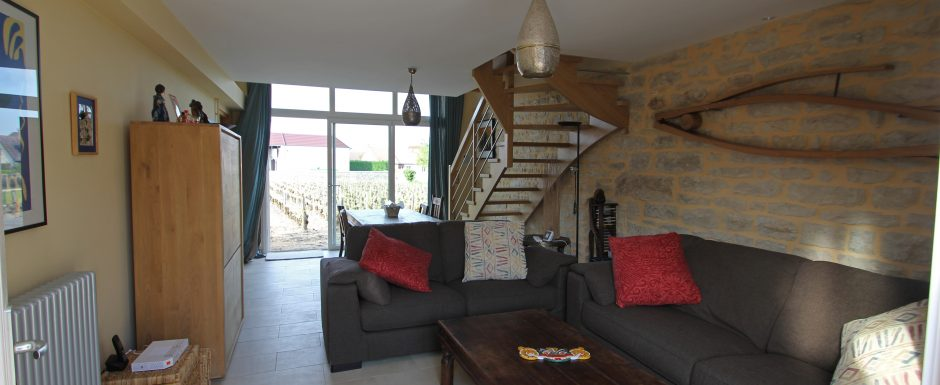 Mali living room at 10pm, our luxury vacation rental in Puligny-Montrachet, near beaune, Burgundy
